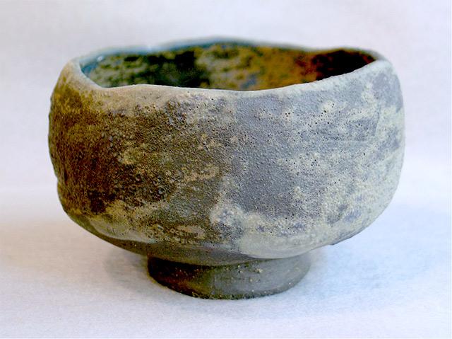 An example of a wabi-sabi tea bowl.